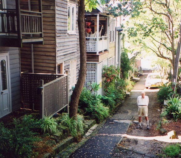balmain-east-lane-narrow-ust.jpg