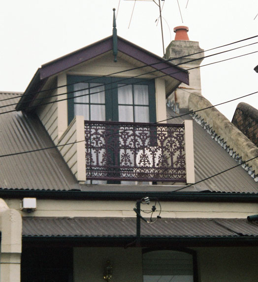 Walk sydney streets photos surprises houses page 02 - Houses with attic and balconies ...
