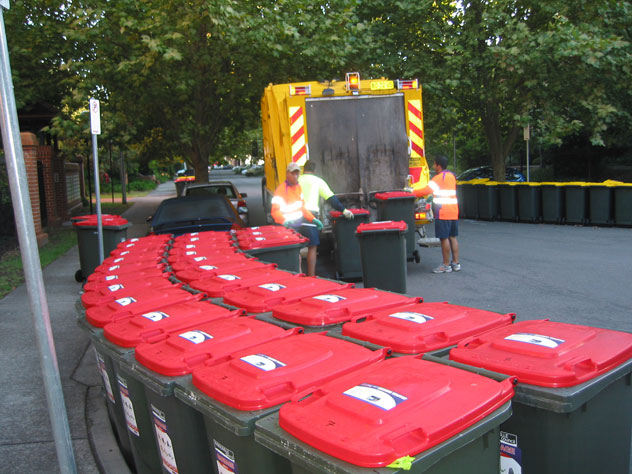 dulwich-hill-rubbish-collection-truck-ur.jpg