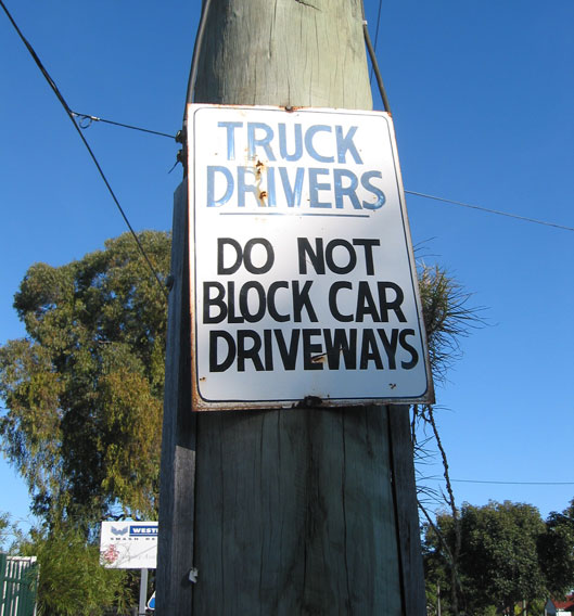 fairfield-east-sign-truck-drivers-usg.jpg