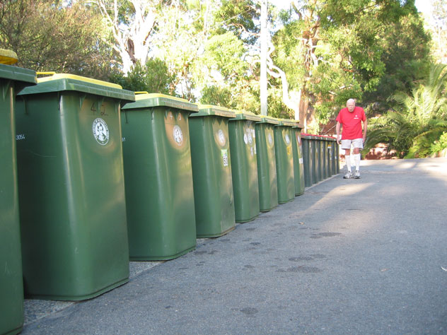 gymea-bay-rubbish-bins-green-ur.jpg