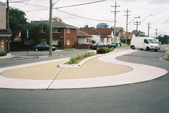 harris-park-roundabout-pear-shaped-ust.jpg