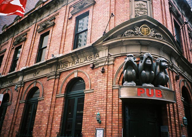 haymarket-bank-monkeys-e.jpg