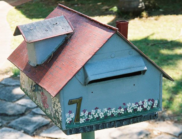 north-narrabeen-mailbox-house-attic