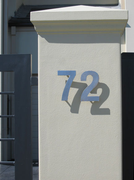 putney-house-number-shadow-xh.jpg
