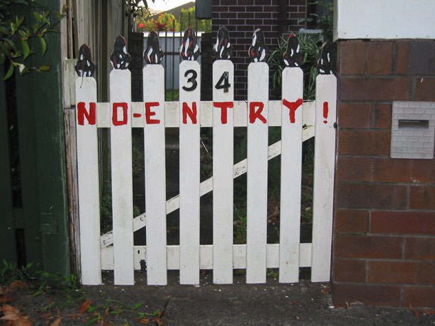 willoughby-fence-no-entry-uf.jpg